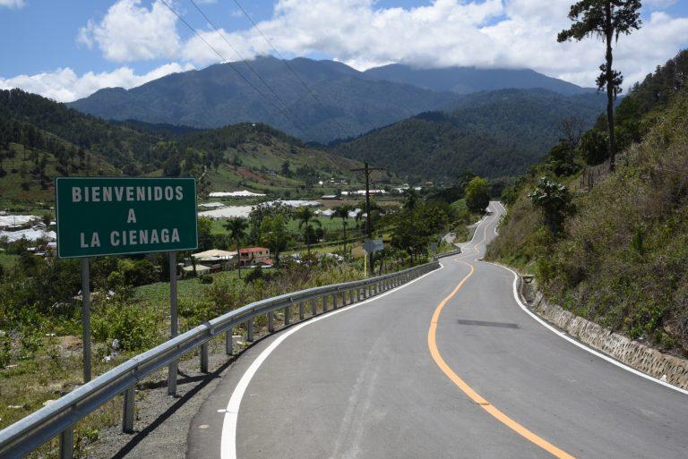 Resultado de imagen para carretera Jarabacoa-Manabao-La Ciénaga